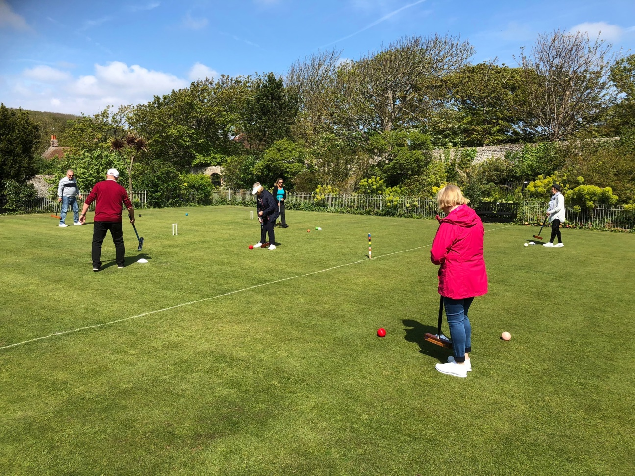 C:\Users\Brian\Documents\My Documents\Dad\Croquet Club\Chairman Newsletter\May 2019\Improvers Coaching.JPG