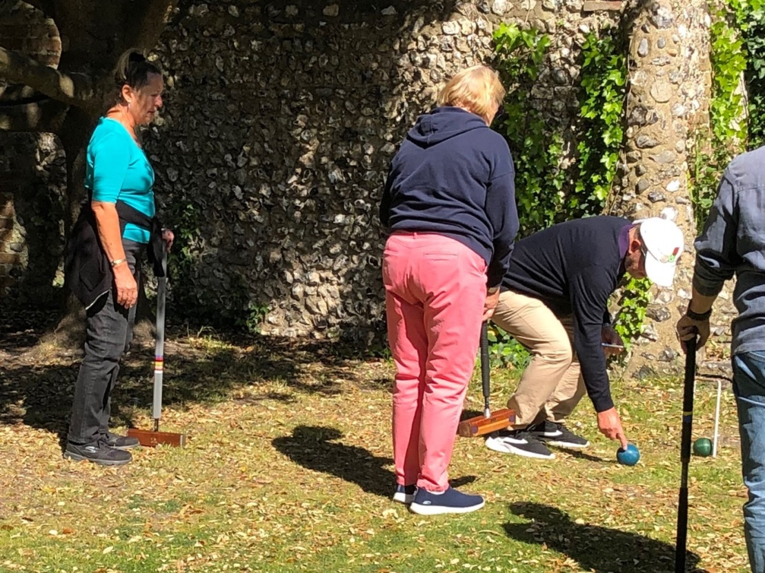 C:\Users\Brian\Documents\My Documents\Dad\Croquet Club\Chairman Newsletter\May 2019\Jump Shot Coaching 1.JPG